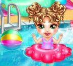 Bebeklerin Havuz Keyfi