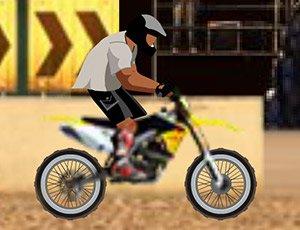 Engelli Parkurda Motokross Yarışı